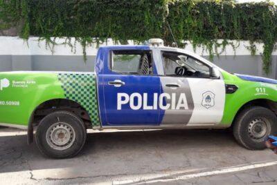 IMPACTAN UN MÓVIL POLICIAL Y UN NISSAN NOTE