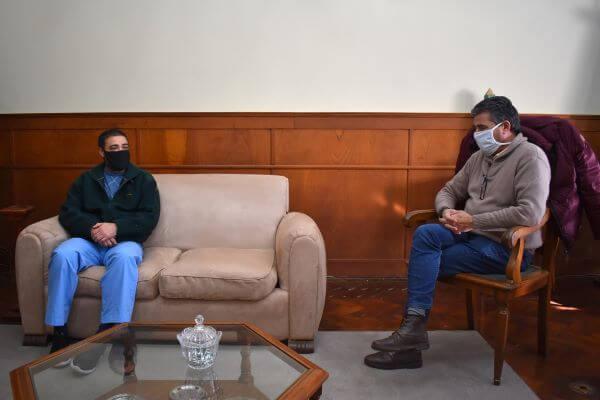 EL INTENDENTE MUNICIPAL JORGE ETCHEVERY SE REUNIÓ CON EL DR. MAXIMILIANO MULASSI, DIRECTOR DEL HOSPITAL