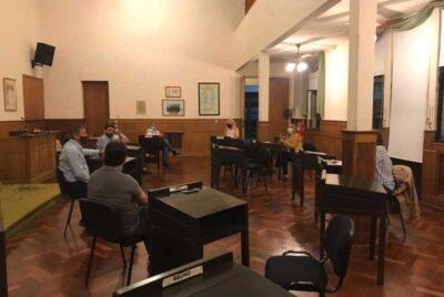 REUNION DE PADRES ORGANIZADOS CON CONCEJALES